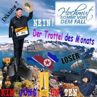 SilberRakete_Trottel-Monat-Diktator-Kim-Jong-Un-Ten-Hochmut-Fall-Plateau-Schuhe-Fuesse-gebrochen-Loser