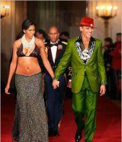 Die-Obamas-zeigen-ihre-Abneigung-zur-Geld-Elite