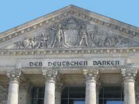Reichstag-Giebel_midres